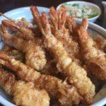 長崎・大村市・天良(てんよし)で最強の海老天丼を頂く。海老15匹が襲う圧巻の江戸前天丼